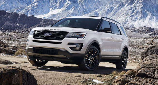 Ford Explorer Xlt Sport Brings Gray Color Scheme Matching Wheels Ford Explorer Ford Explorer Xlt Ford Suv