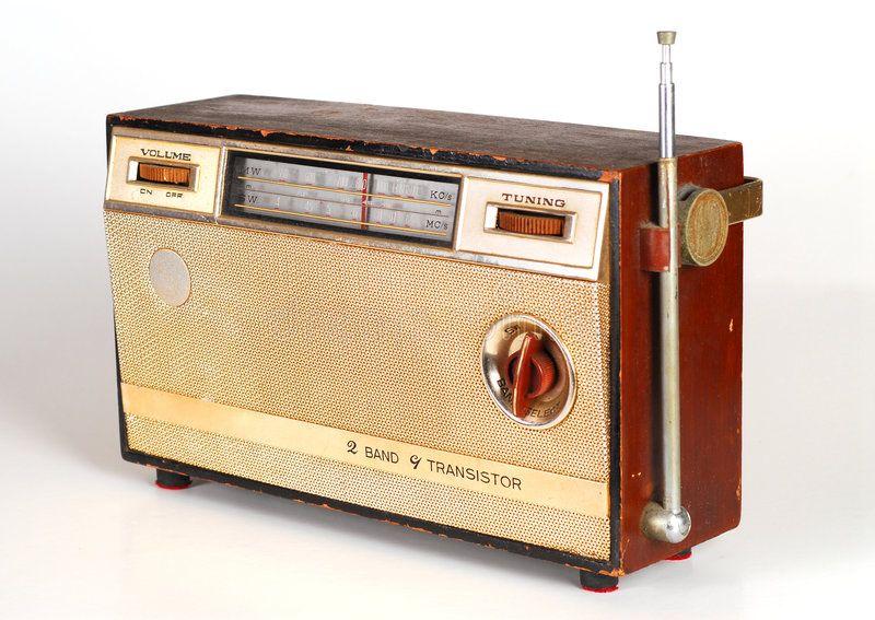 Vintage Retro Radio Transistor Box Sponsored Retro Vintage Radio Box Transistor Ad Retro Radios Radio Transistor Radio
