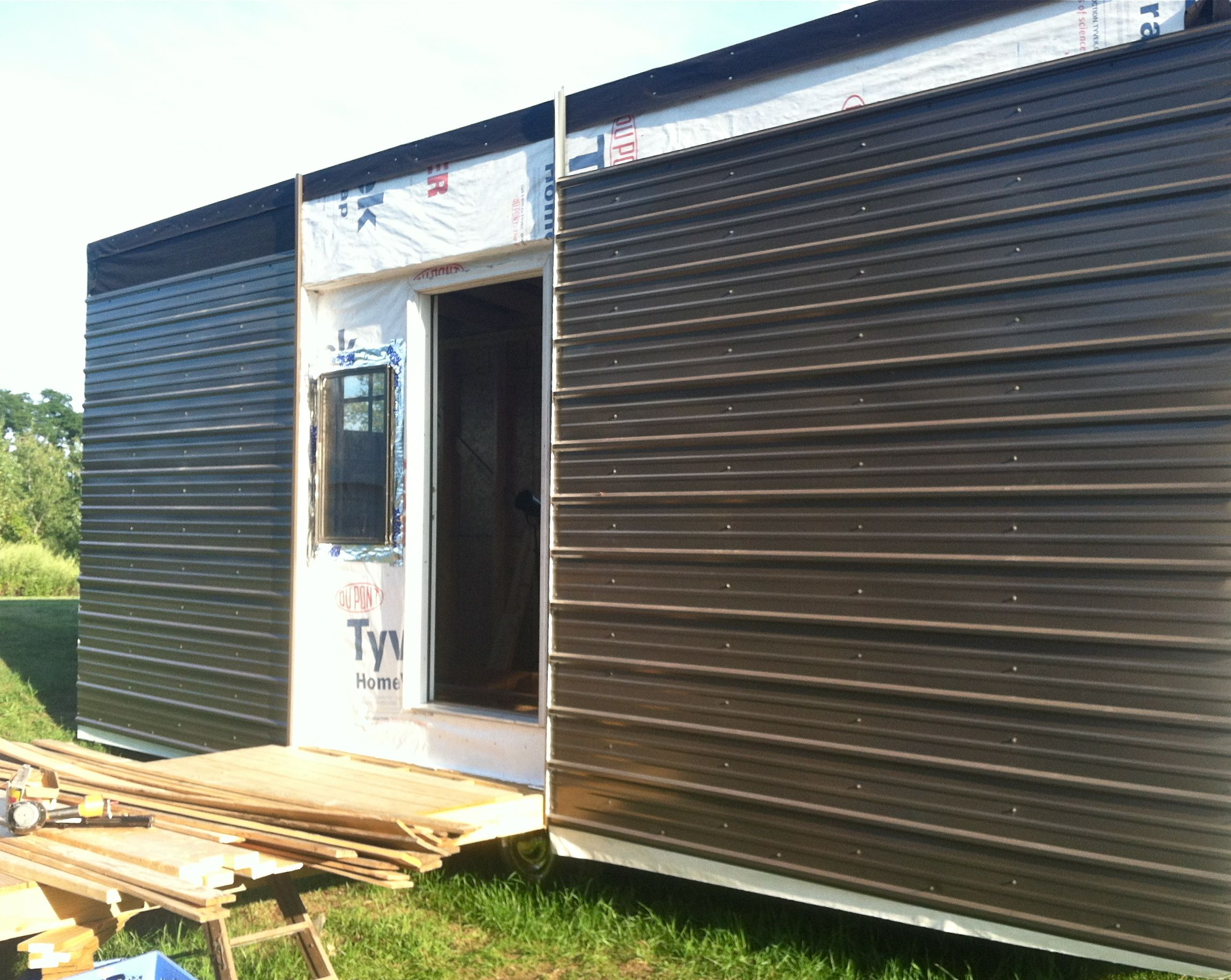 Metal siding. Reliable protection for the walls of a country house 61
