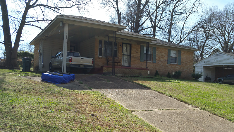 2037 Durham Ave Memphis Tn 38127 Is A Nice 3 Bedroom 1 5 Bath Brick Home In The Frayser Area Of Memphis Tn This Ho Exterior Paint Roof Cleaning Sale House