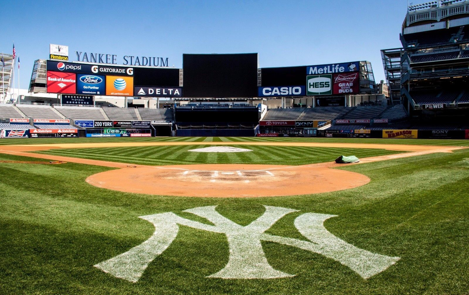 Tickets 4 Field Level Tickets To A 2018 Yankees Game Of Your Choice Please Retweet Yankee Stadium Stadium Baseball Stadium