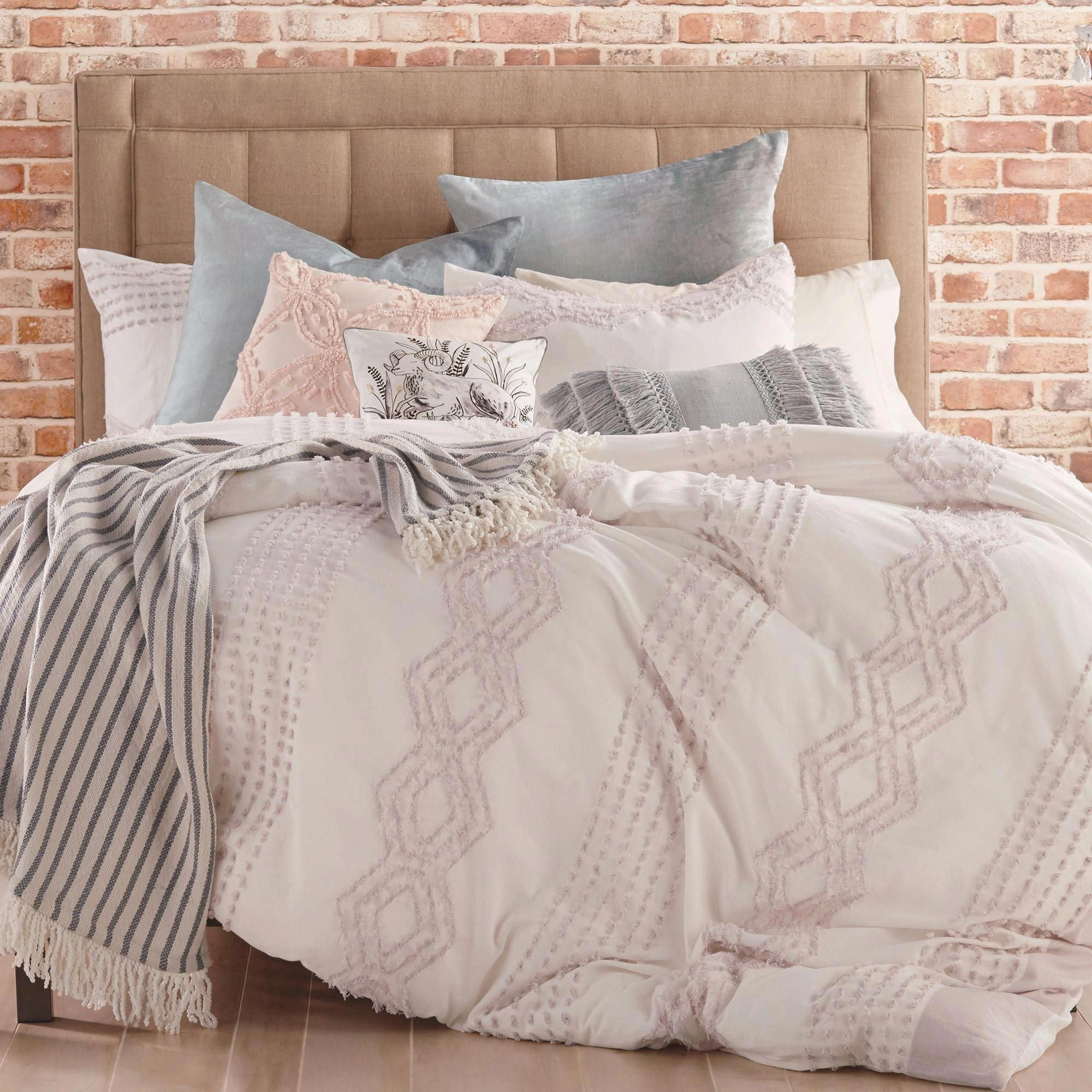 Where To Buy Bedding In London Key 6793298671 Beautifulbedlinenideas Comforter Sets Urban Outfitters Bedroom Bedding Bed Linens Luxury