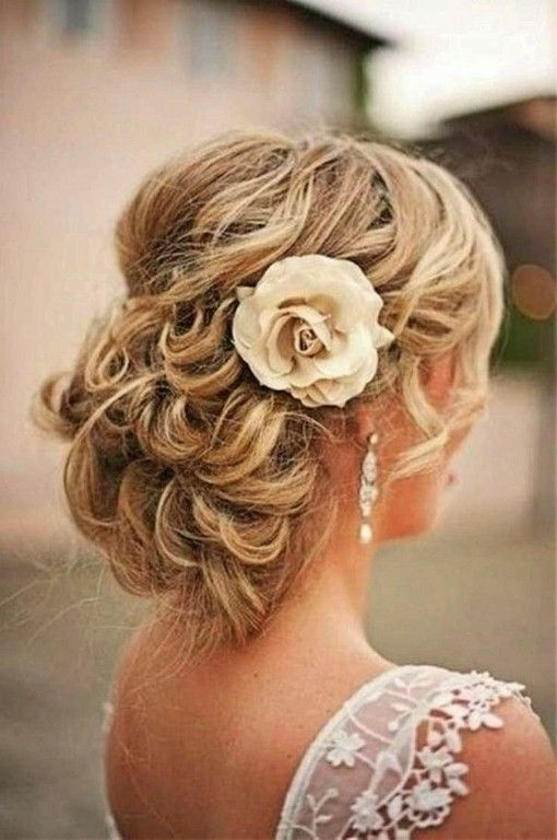 Beach Wedding Updos For Curly Hair