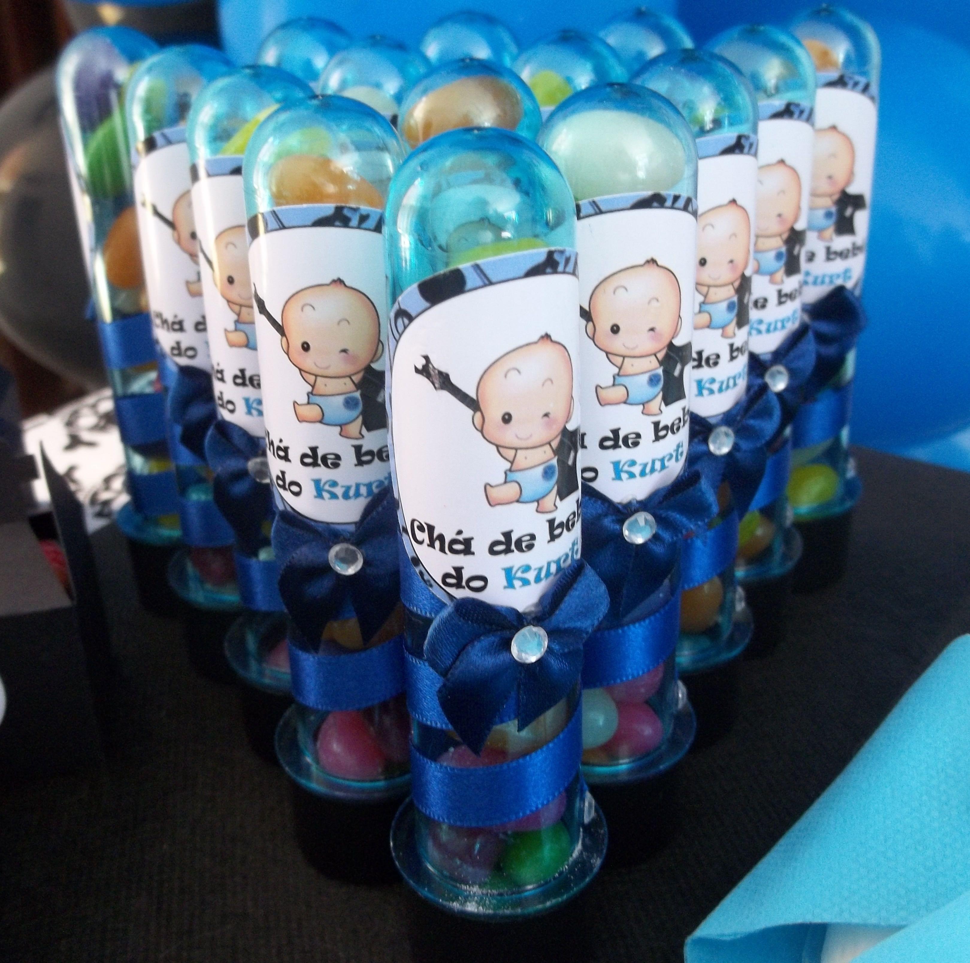 Tubetes personalizados com o tema Chá de Bebê Rock. Confeccionamos em outros temas. Entre em contato conosco através do email: contato@artesanadia.com.br