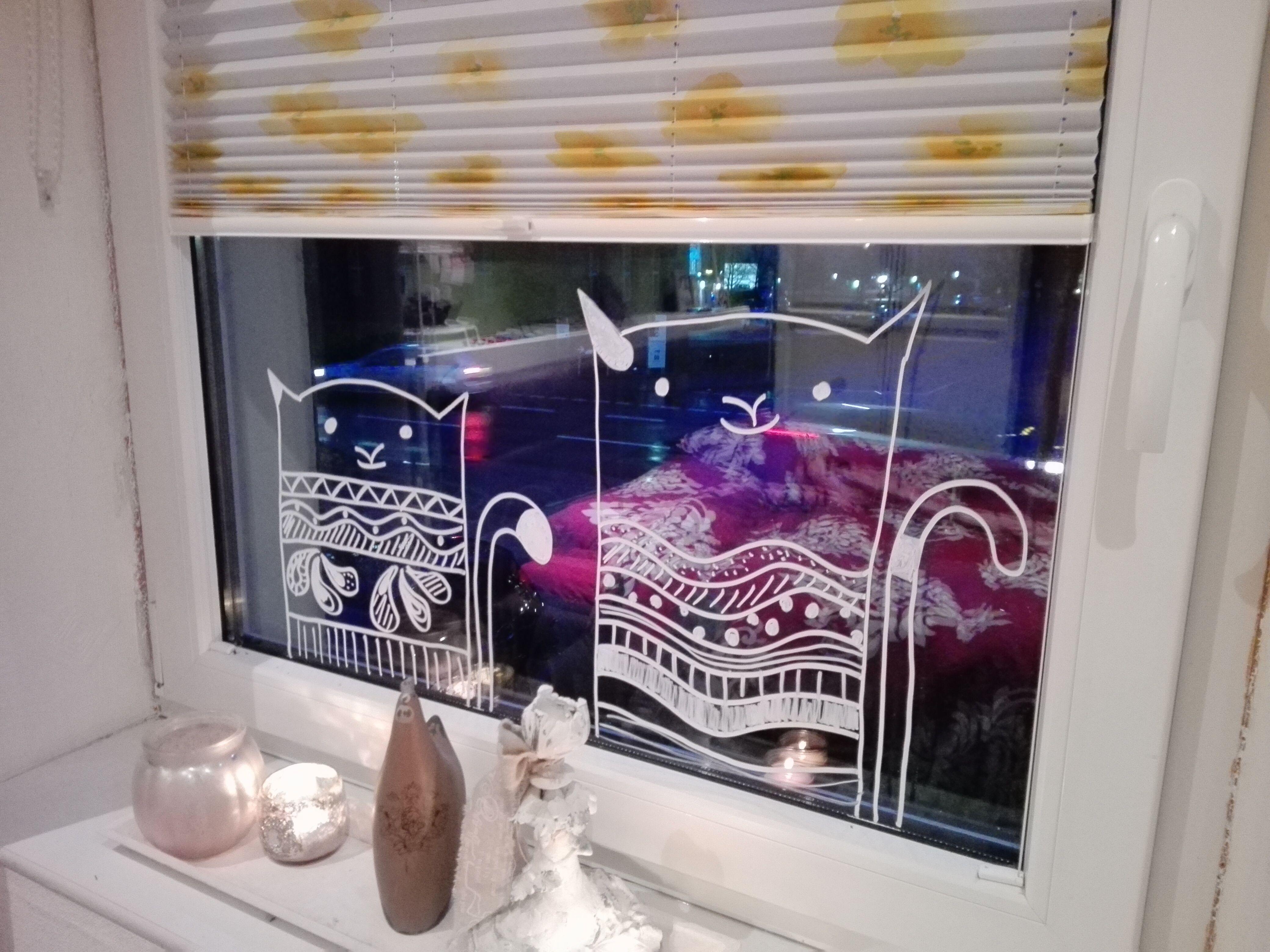 katzen am fenster mit kreidemarker fensterkreide pinterest fenster katzen und deko. Black Bedroom Furniture Sets. Home Design Ideas
