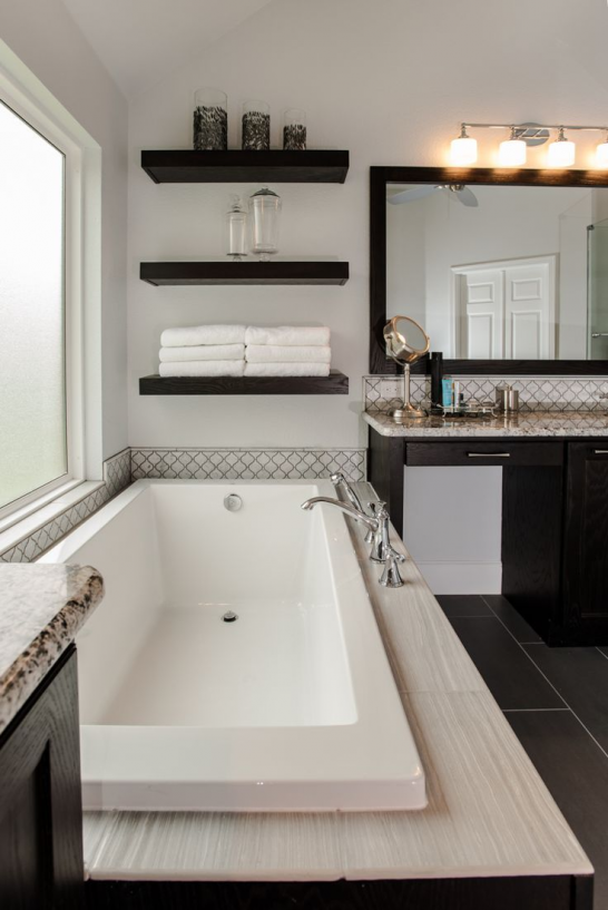 The Trim Around The Jacuzzi Is Everything And Can Easily Be Done With Tile Moderngarden S In 2020 White Master Bathroom Diy Bathroom Decor Tiny Bathrooms