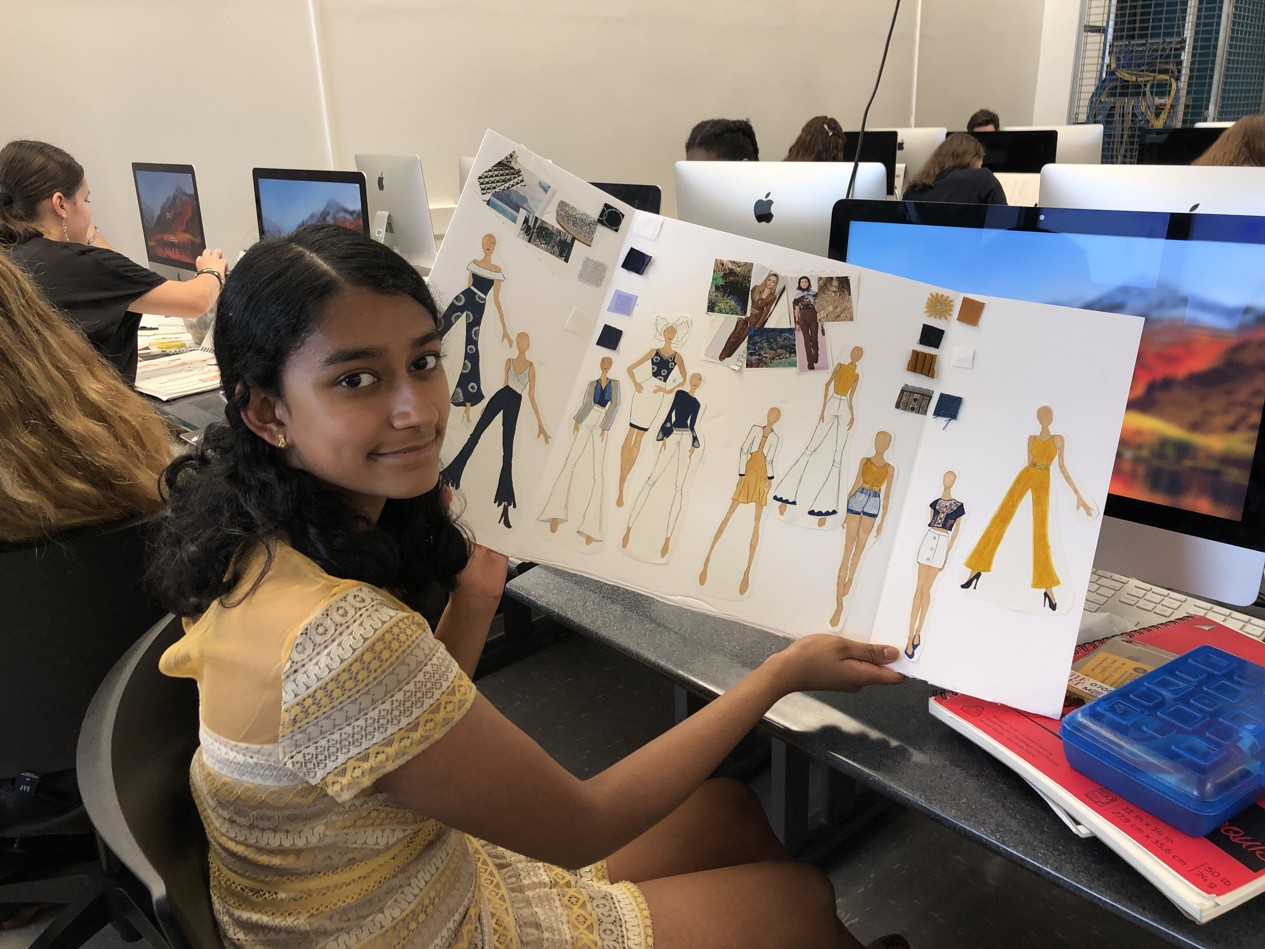In A Week In The Life Of A Fashion Designer Part Of The 11 Day Precollege Program At Fit Students Spend A In 2020 Design Classes Summer Courses High School Programs