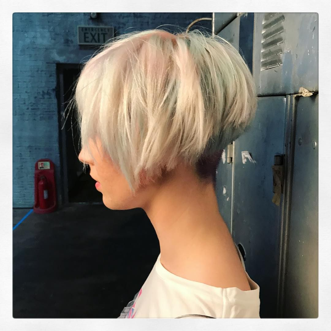 layered bob hairstyles look fab in new blonde shades layered