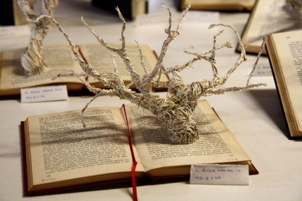 F+QL15 - árbol naciendo en libro