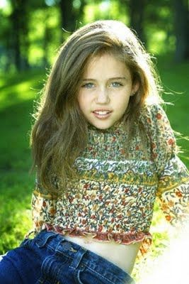 Hollywood Celebrity Miley Cyrus First Photoshoot When She Was 10