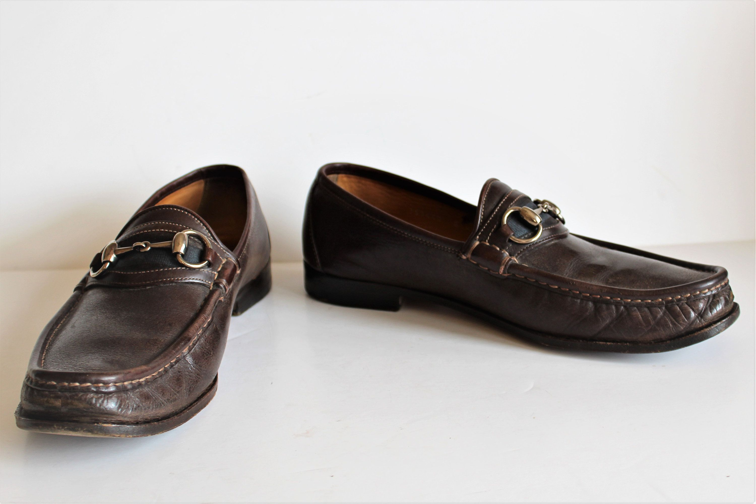 9f3334a01e2 Vintage Gucci loafers for men  Gucci Shoes