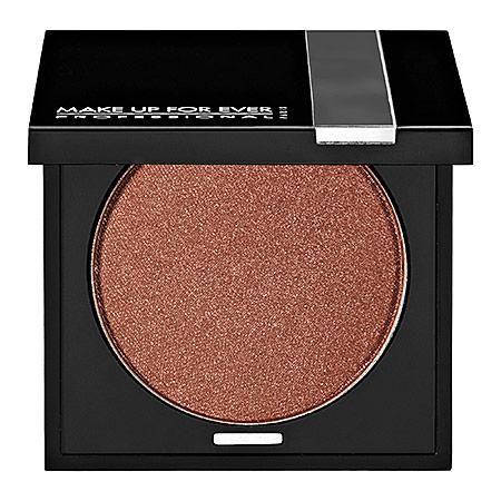 Make Up For Ever Eyeshadow in Metallic Copper http://beautyeditor.ca/2013/10/17/penelope-cruz-makeup/