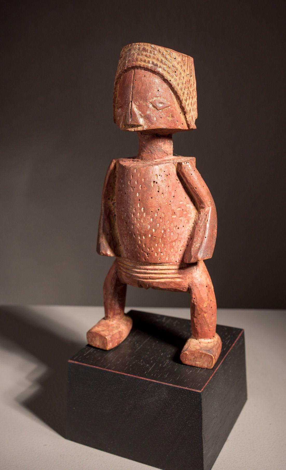 Luba Statue