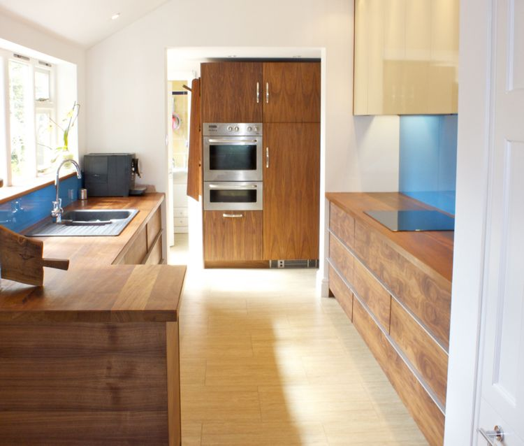 modern und gemütlich aus Holz ohne Griffe Minimalistische Küche