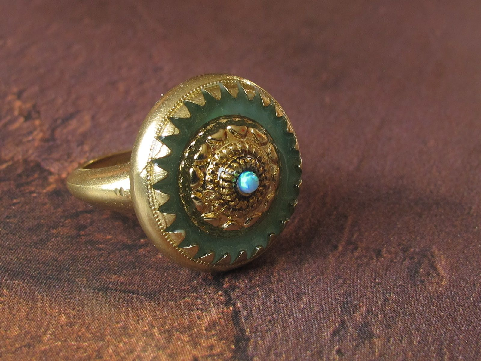 Etnic Ring with opal
