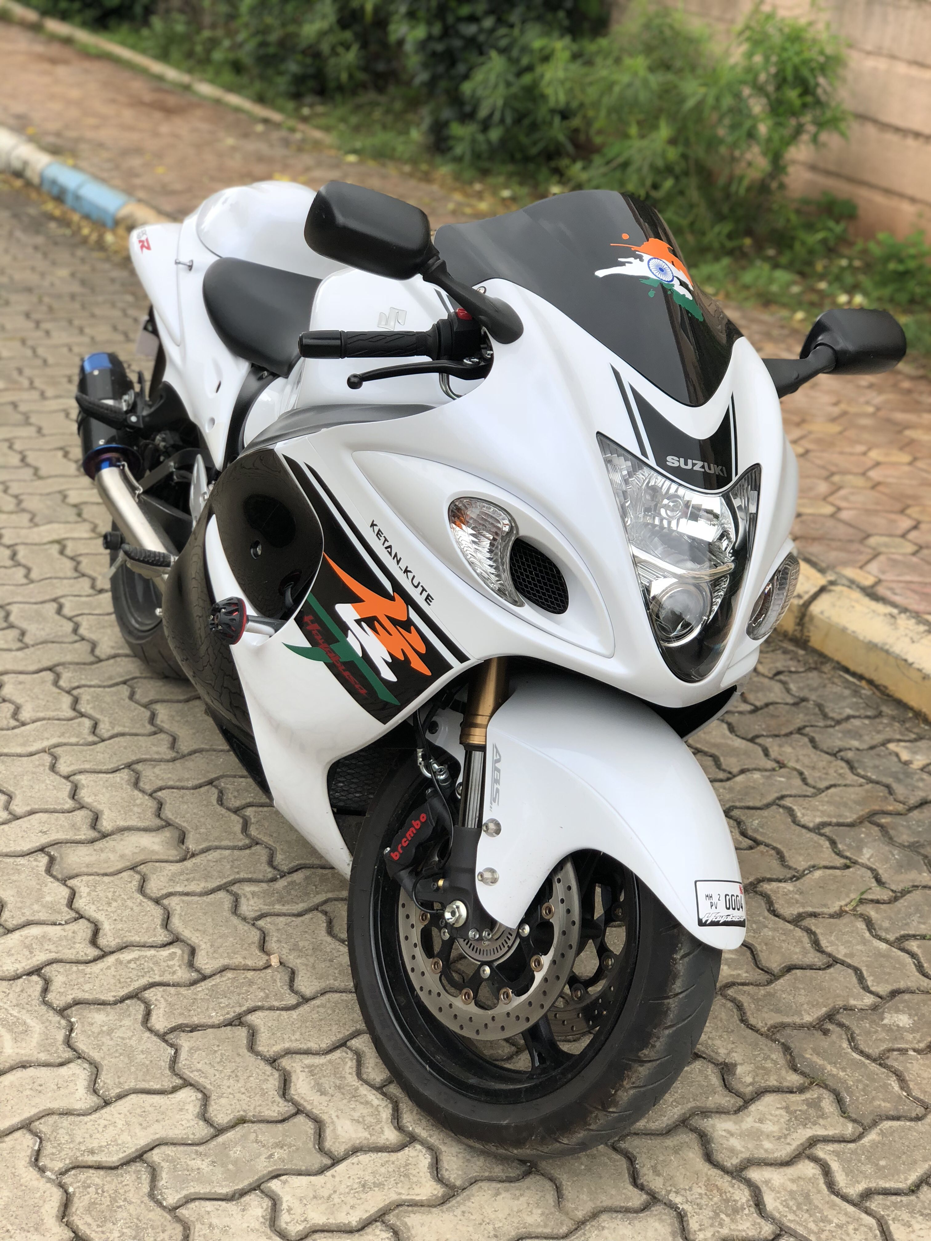 Suzuki Hayabusa sports bike Hayabusa motorcycle, Suzuki