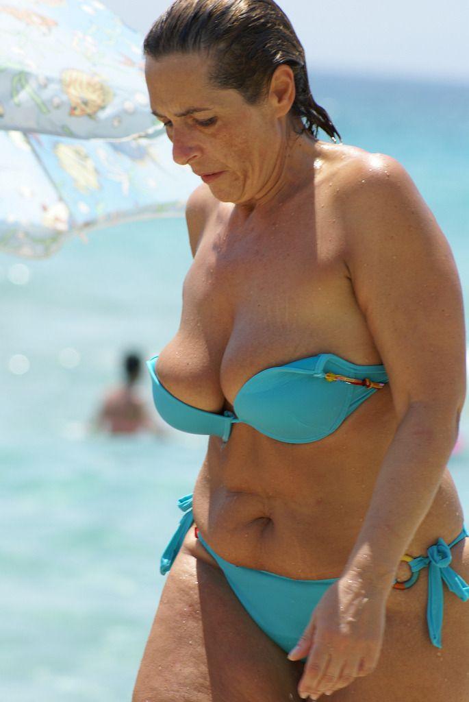 Middle Alter Frauen Bikini