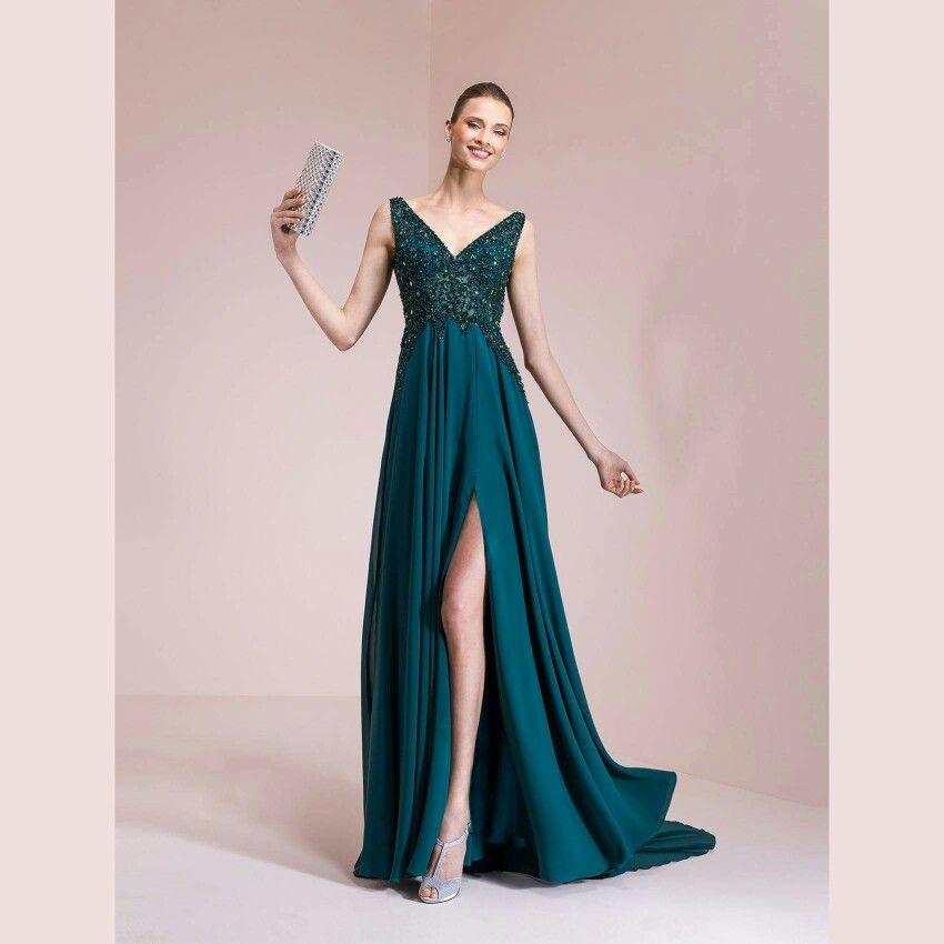 size 40 91c38 ffaee Gennaio, come tutti sanno, è il mese della scelta dell'abito ...