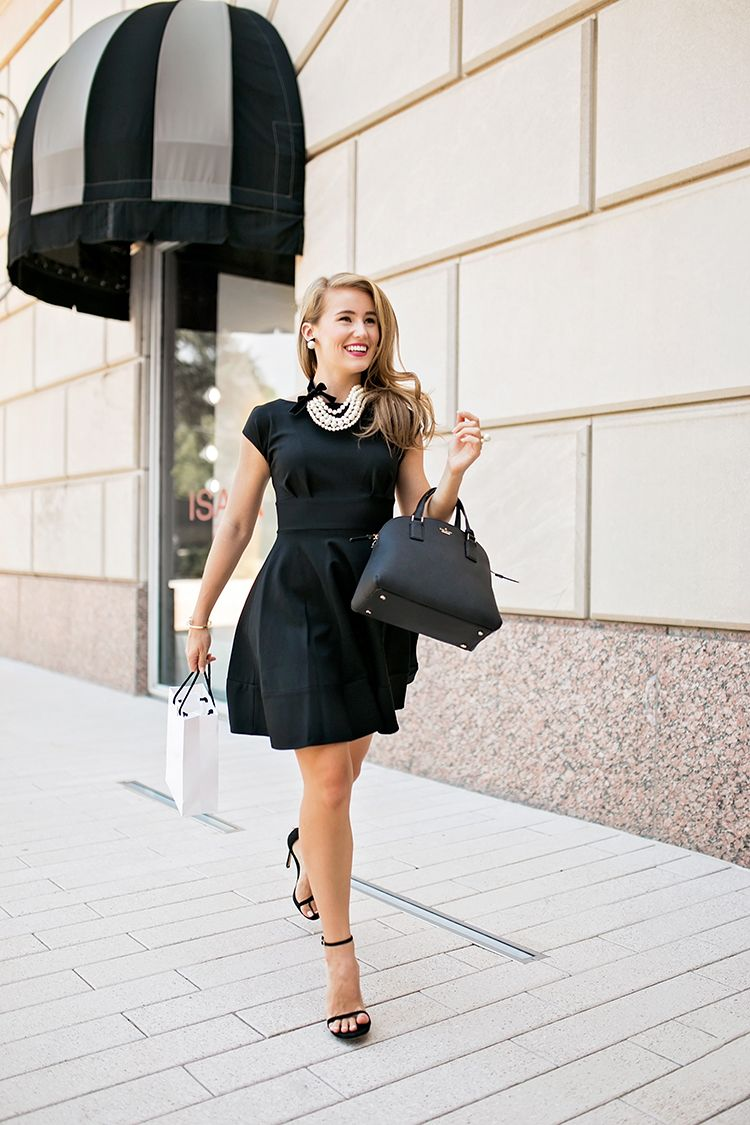 Girl In Pearls A Lonestar State Of Southern Fashion Style Black Dress Style