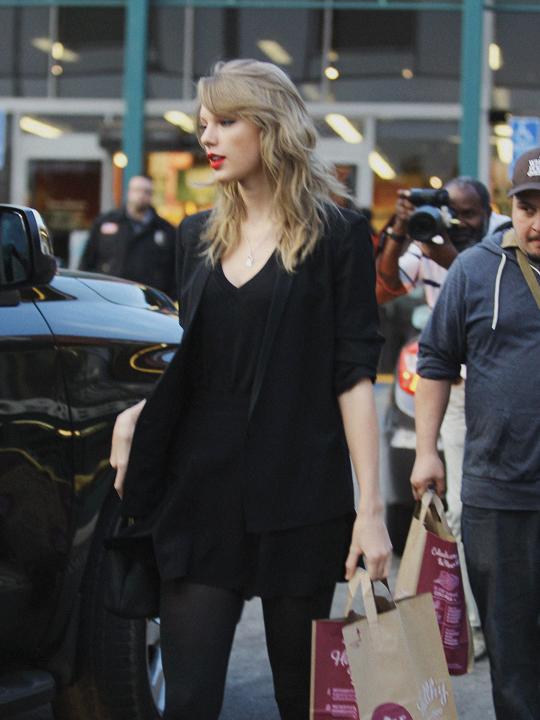 Swiftius Taylor Swift January 21 2014 Taylor Swift Red Taylor Swift Fashion