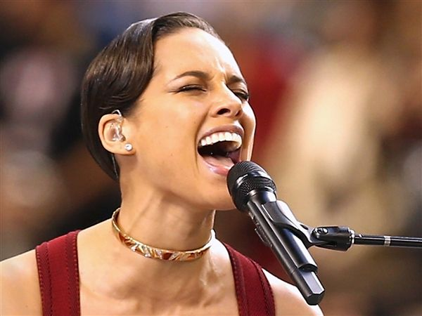 Alicia Keys Super Bowl Anthem Criticized For Being Too Slow Photo Christopher Polk Getty Images Superbowl Sb47 Round Sunglass Men Who Dat Pop Culture