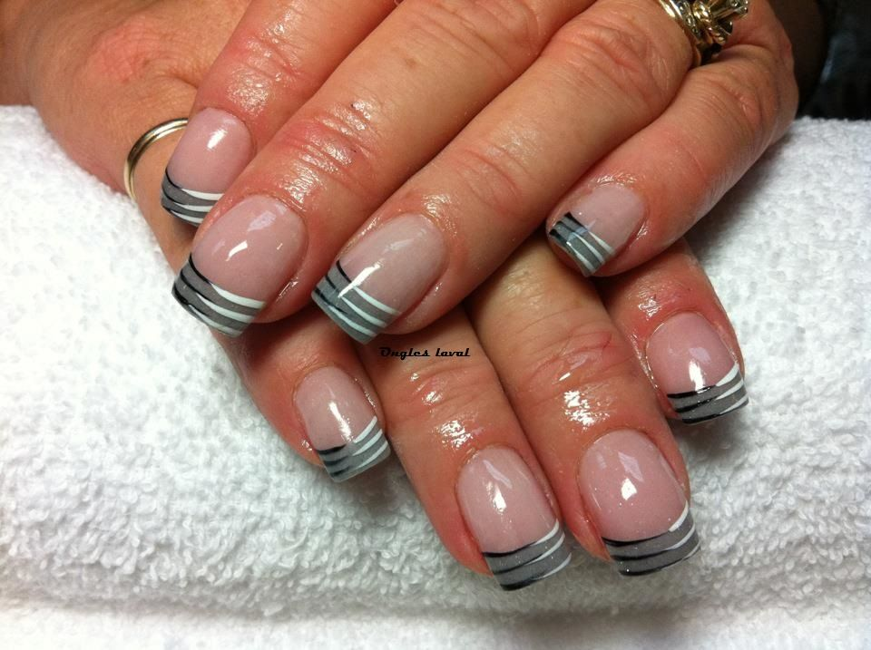 Grey French Manicure Nails Ongles Gris Black And White Lines Manucure Francais Gris Nails Art Nails Desig Nails French Manicure Nails Short Nails Art