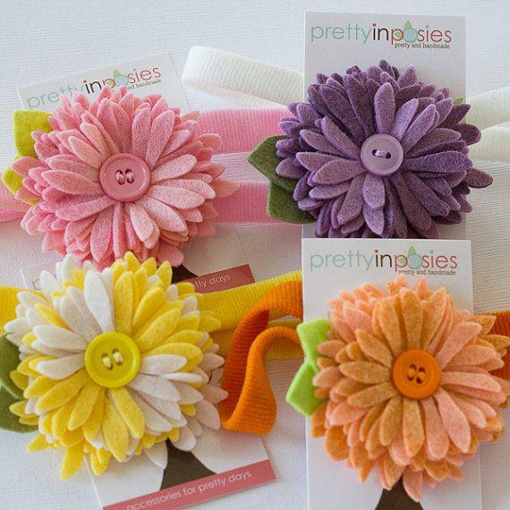Chrysanthemum Felt Flower Hair Clip in your por PrettyinPosies