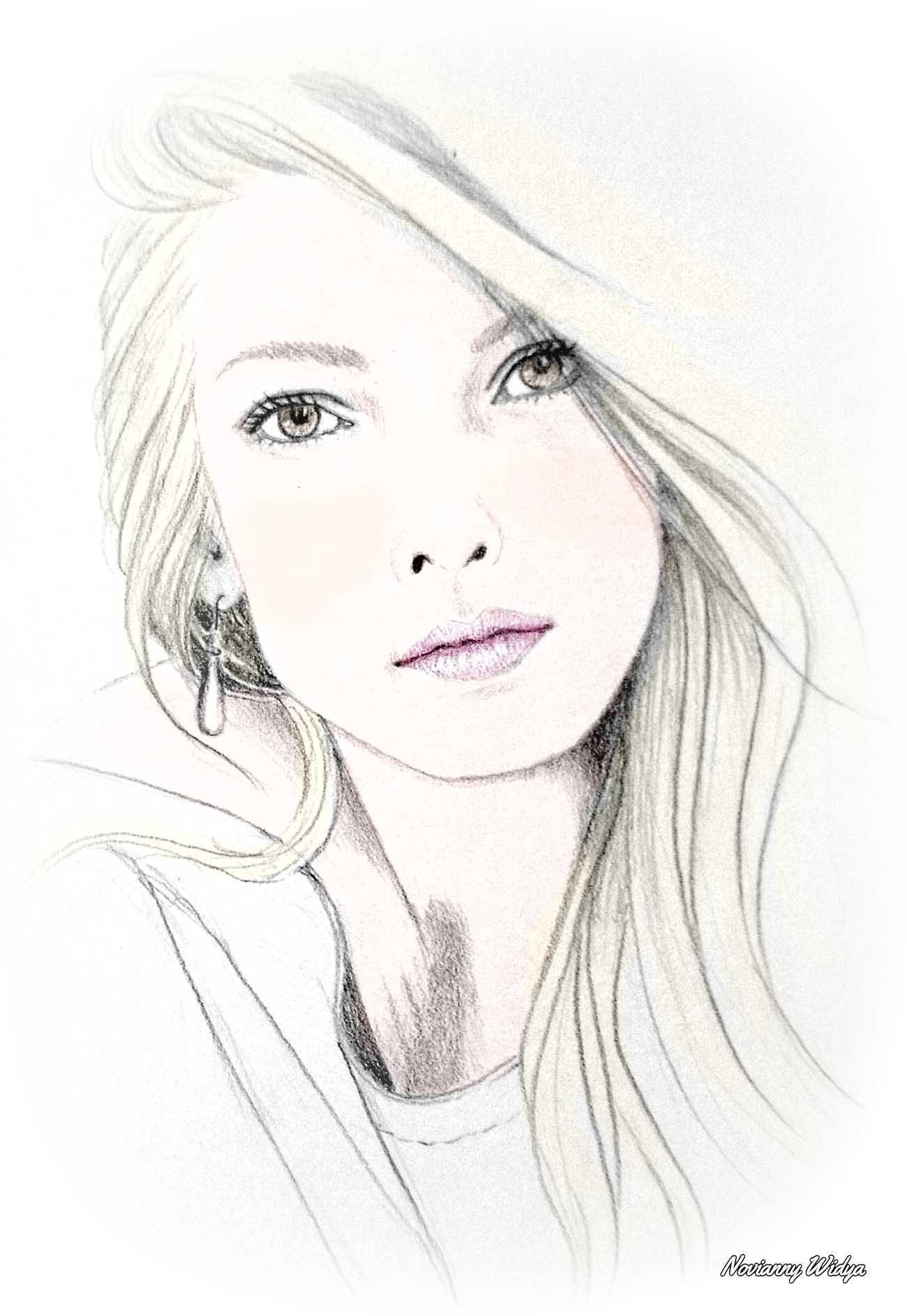 Pencil Sketch Novianny Widya