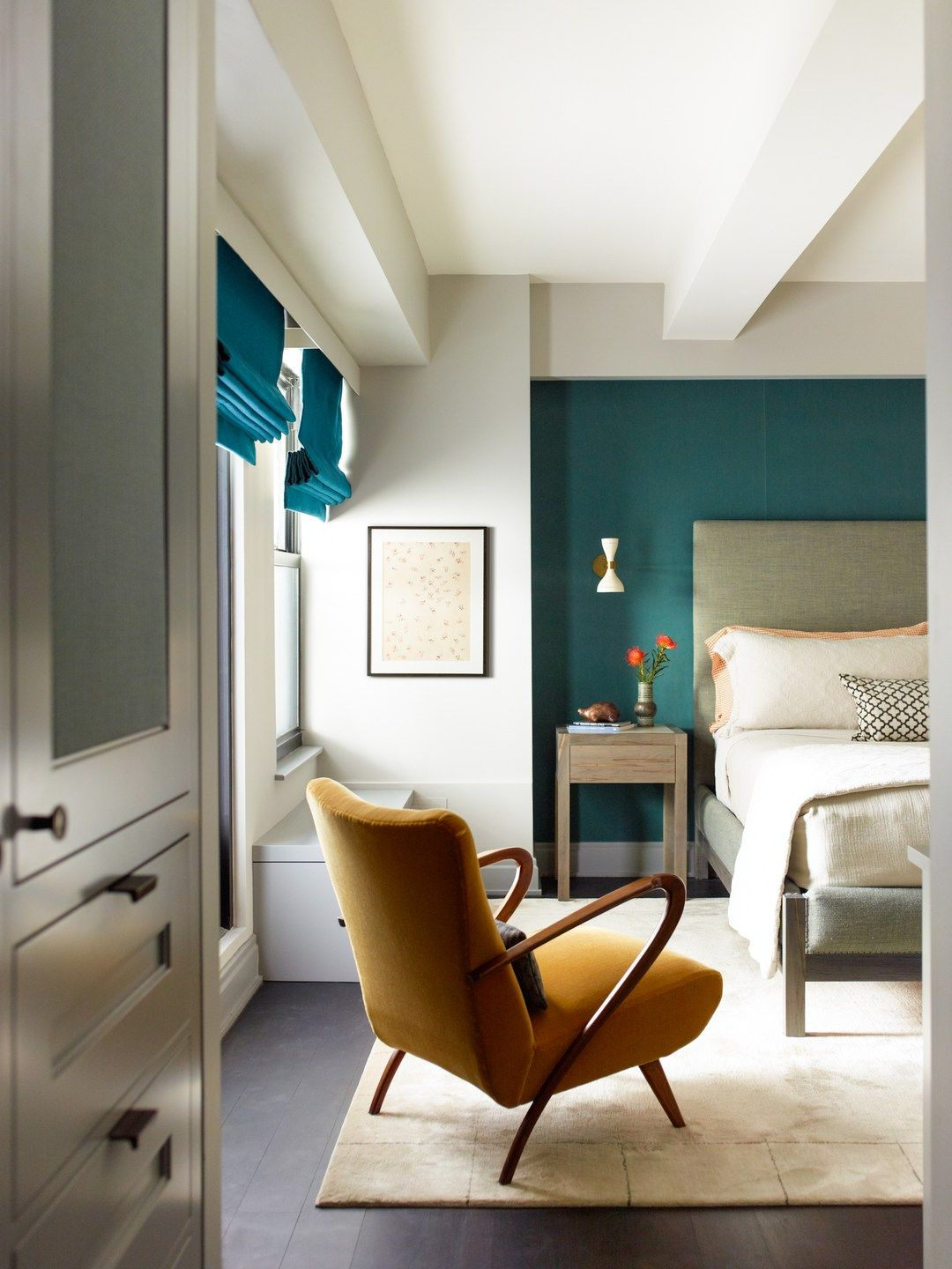 Bold Black Accent Wall Ideas Feature wall bedroom