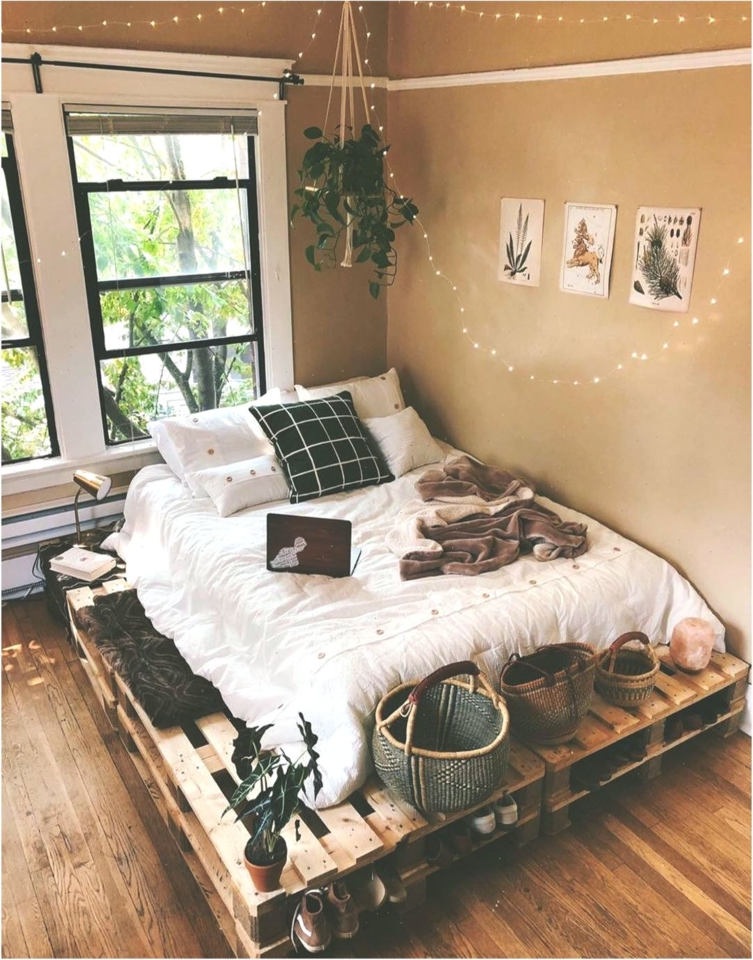 Bohemian Style Ideas For Bedroom Decor Schlafzimmerdekor Bedroomdecorbohemian Tumblr Bedroom Decor Bedroom Decor Cozy Bed In Living Room
