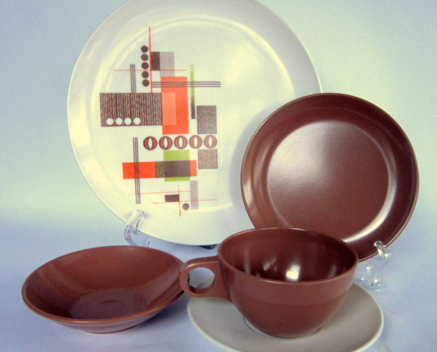 RESERVED FOR JEN -- Vintage Mar-Crest Melamine Dinnerware Set with Serving Pieces 41-Piece Abstract Geometric Pattern White Brown Melmac & RESERVED FOR JEN -- Vintage Mar-Crest Melamine Dinnerware Set with ...