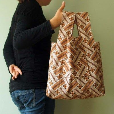 Want to make your own fold up cloth shopping bags? Check out this awesome pattern and tutorial on how to make cloth fold up shopping bags by Nicola.