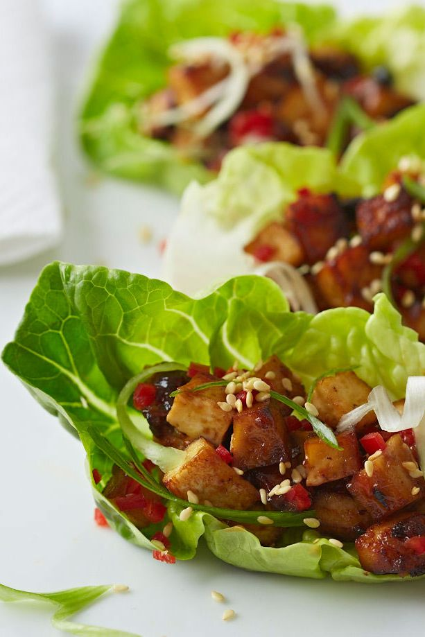 For a vegetarian friendly Chinese New Year dish, tuck into these tofu lettuce cups roasted in a rich black bean marinade. | Tesco