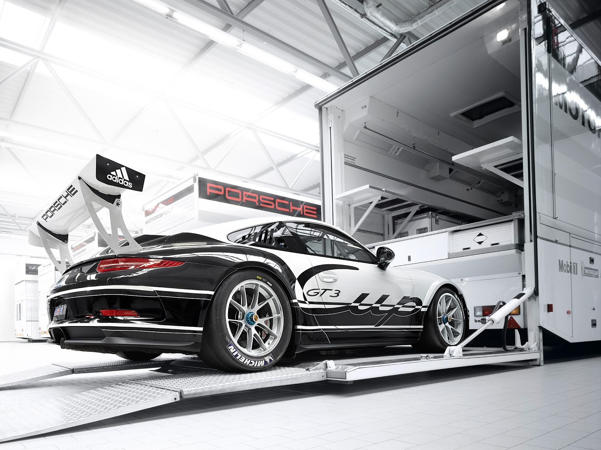 How D You Like To Show Up To A Trackday With A Setup Like This Porsche Motorsport Porsche 911 Gt3 Porsche