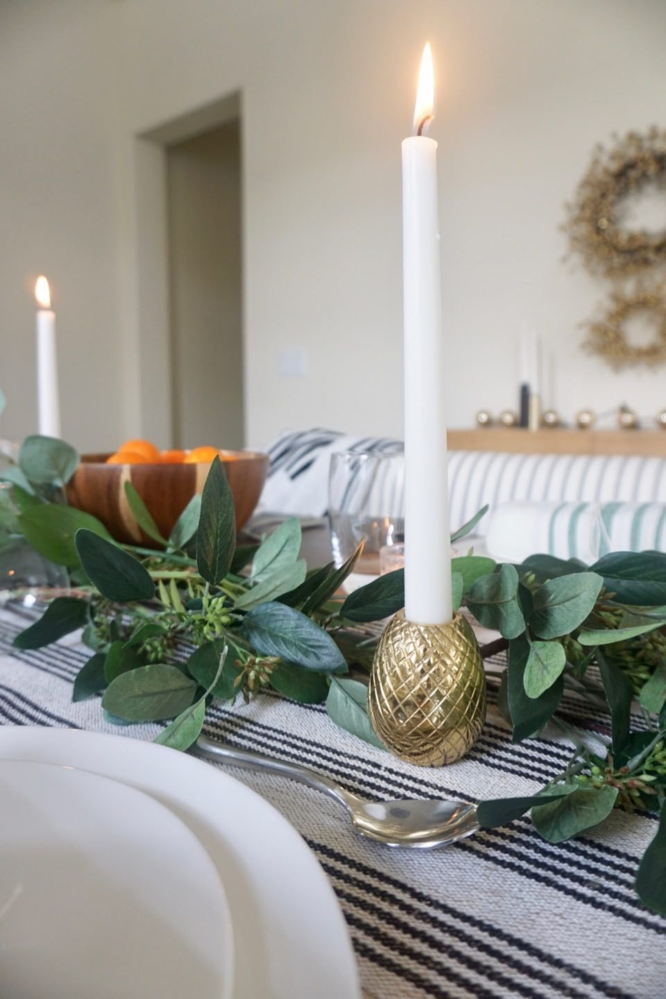 Simple modern dining table decor holiday table christmas table decor christmas table setting simple modern table setting eucalyptus