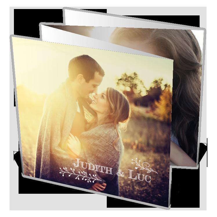 Faire part mariage à gratter sous forme de dépliant pour montrer votre amour en images, ref N83029