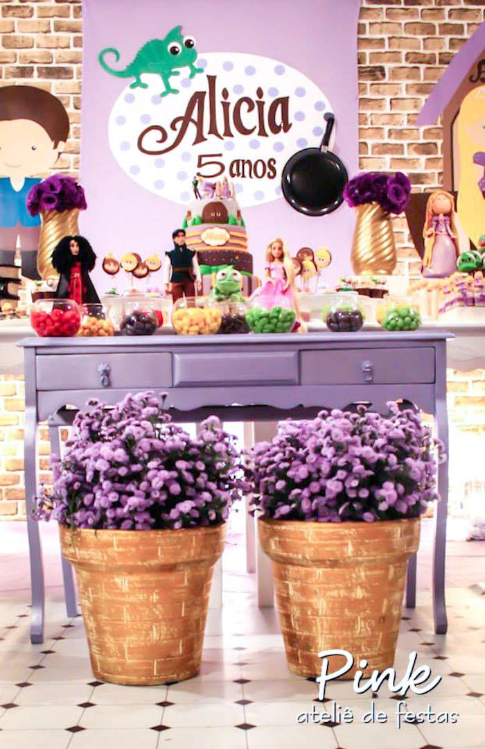 Tangled Rapunzel themed birthday party