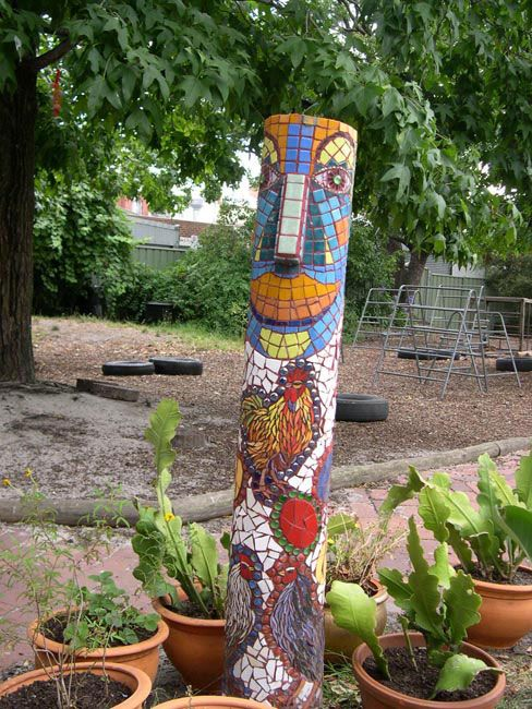 Suesy Circosta | Community Artist, Melbourne | Courtyards and Gardens