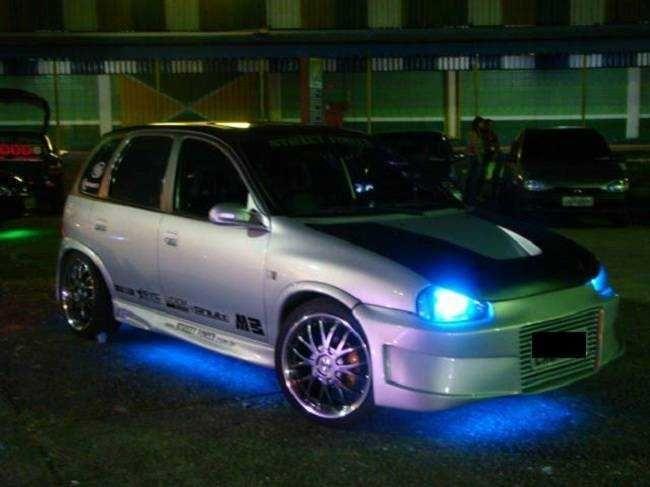 carro com neon 3