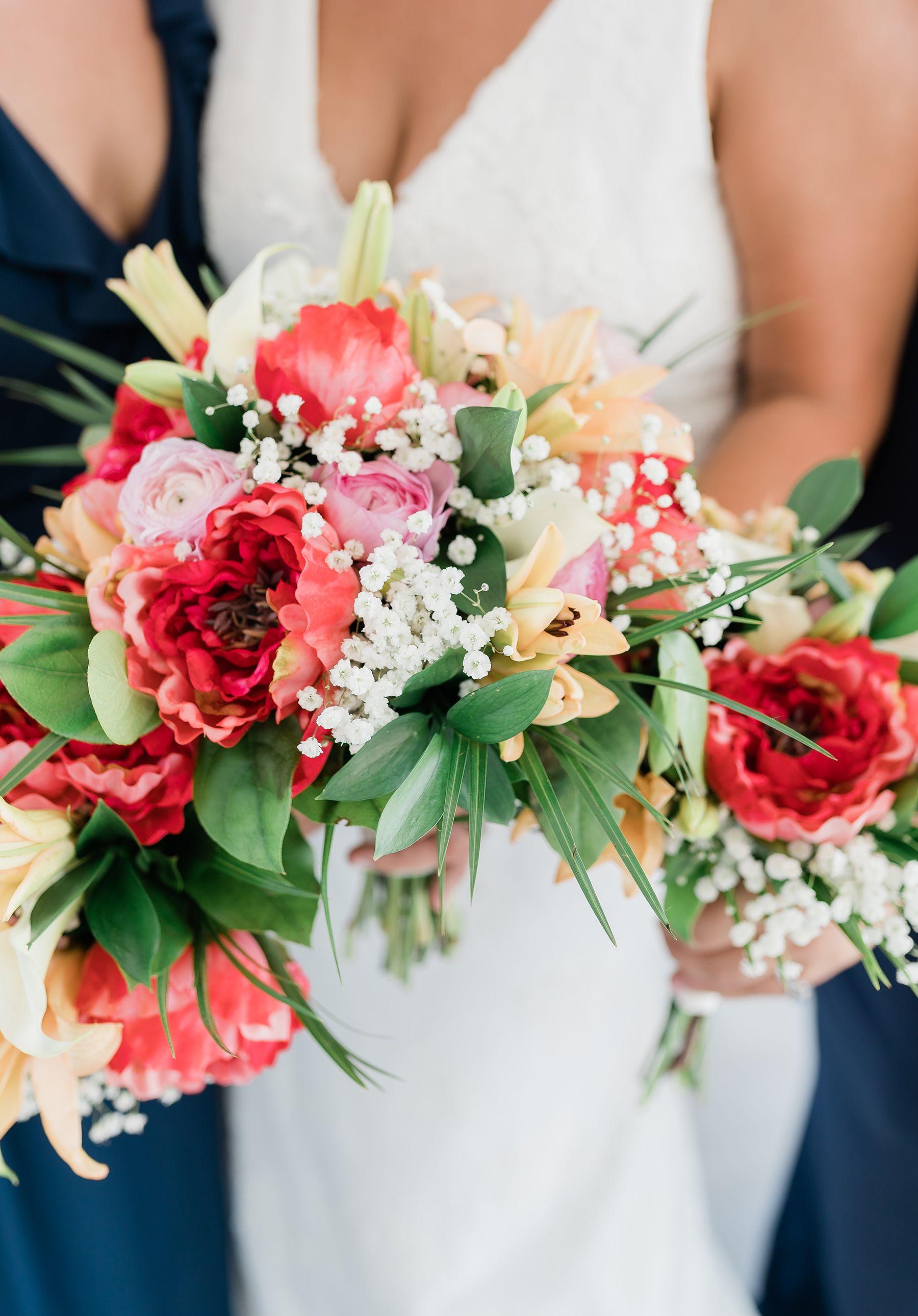 Summer wedding flower ideas, beach wedding colors, wedding