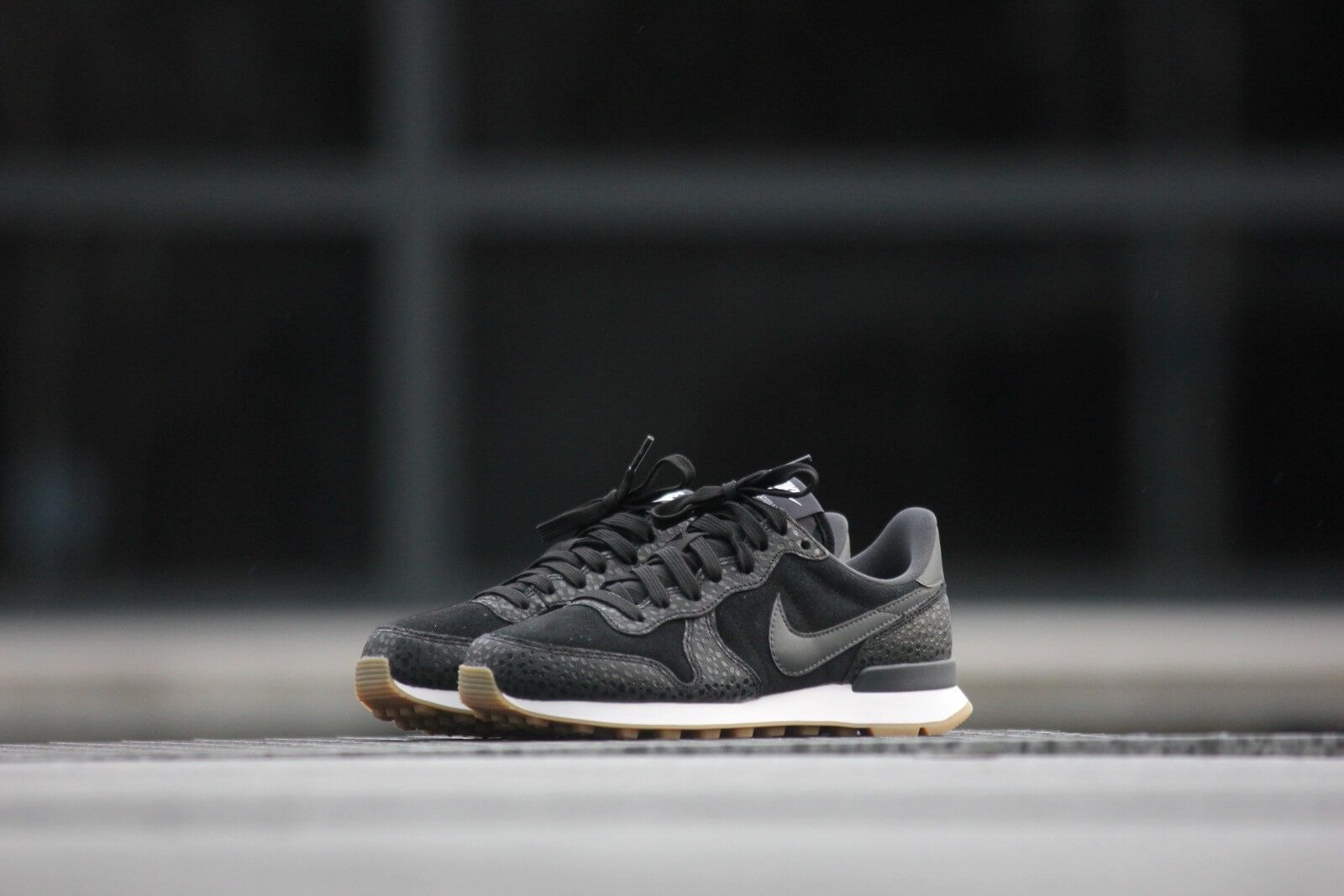 Nike Internationalist PRM schoenen bamboosail in de WeAre Shop
