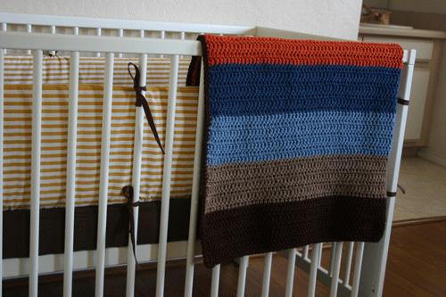 Honeybee Vintage: Easy Striped Crochet Baby Blanket