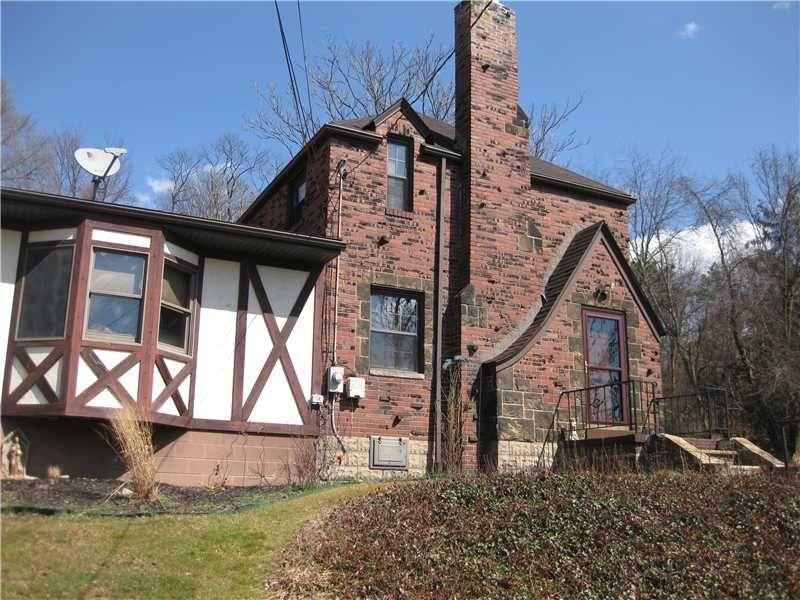 158 Churchill Road Wilkins Township Pa 15145 House Styles Churchill House