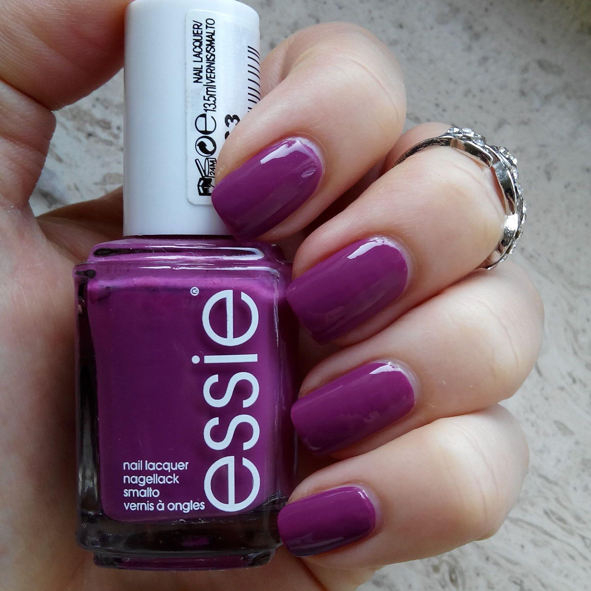 Essie Flowerista. Published in our Douglas Beauty Community DE and ...