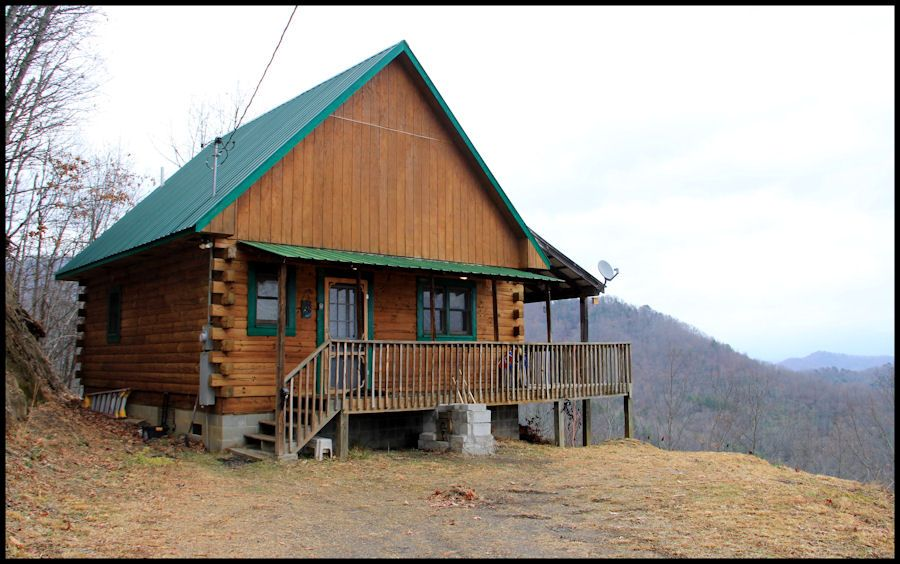Welcome To North Carolina And Sleeping Dog Cabin Rentals Bryson City Murphy Nc Our Cabin Rentals In Bryson City Nc A Pet Friendly Cabins Cabin Cabin Rentals
