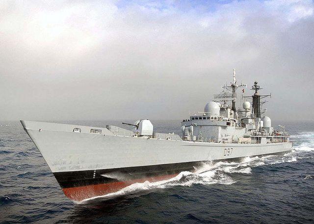 HMS EDINBURGH conducts RAS approaches with HMS ALBION. 10/02/2011 Picture: LA(Phot) Luron C Wright