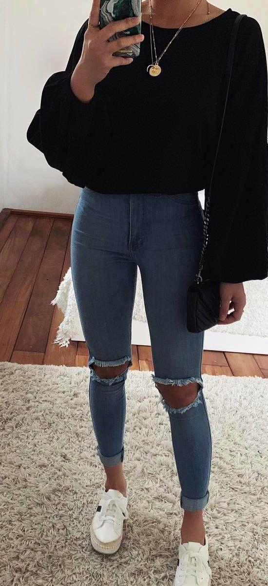 Photo of Bedruckter Schal // Skinny Jeans // Weiße Sneakers // Lederjacke // Led … – Meine Welt