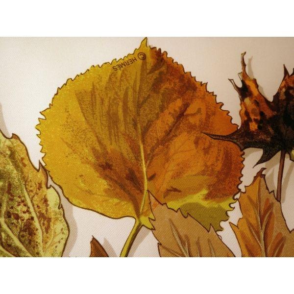 cd7dac95390c carré hermès,foulard maison hermès,feuilles d automne,hermès  sciarpa,seidentuch