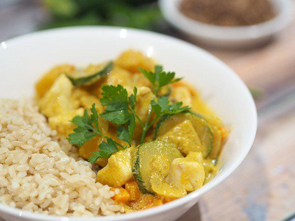 A delicious mild fish curry filled with loads of vegetables, onion, zucchini, carrot and pumpkin | Family meal idea | The Organsied Housewife