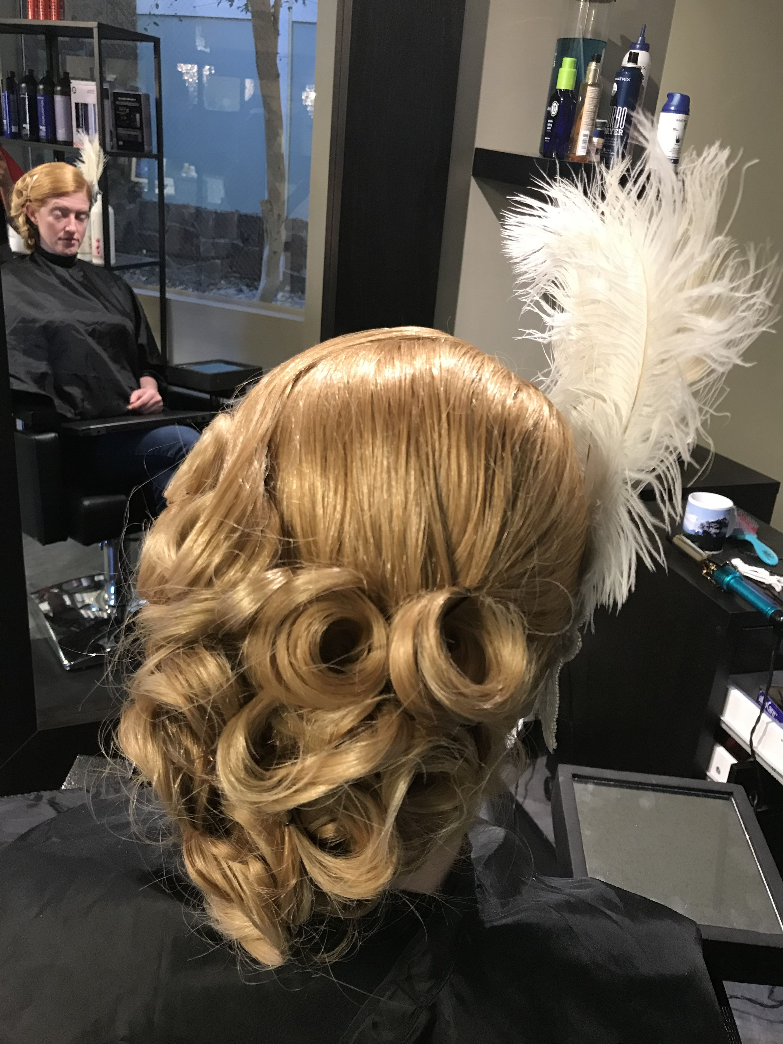 1920's hairstyle Updo Halloween Hair Flapper Girl ...